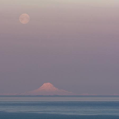 Full Moon over Augustineweb