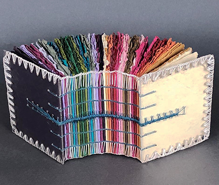 spectrumbook_Desiree Hagenweb